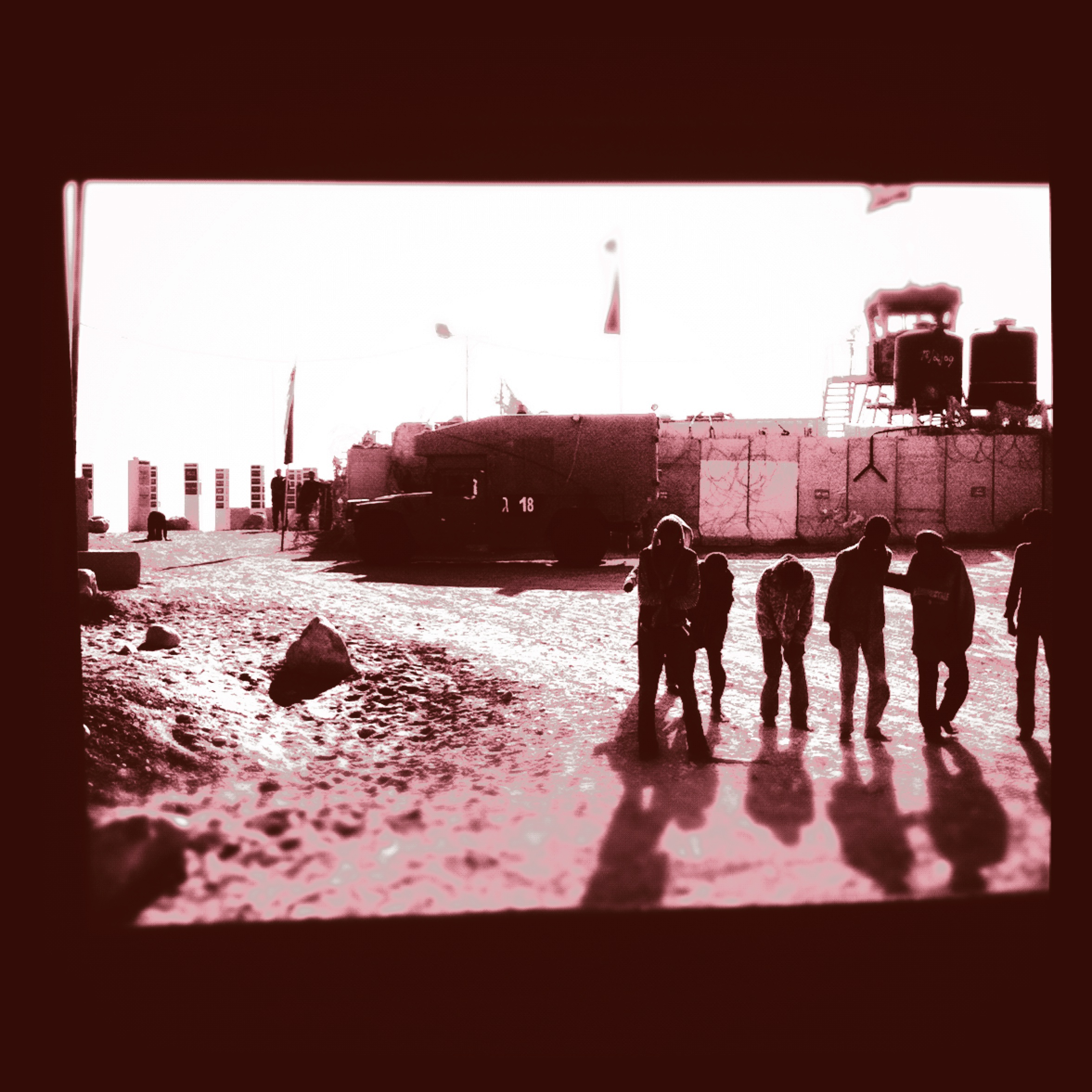 African_Refugees_walking_from_Egypt_to_Israel