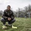 Nedjmedin a été expulsé de force vers sa terre natale. Photo: Alberto Campi