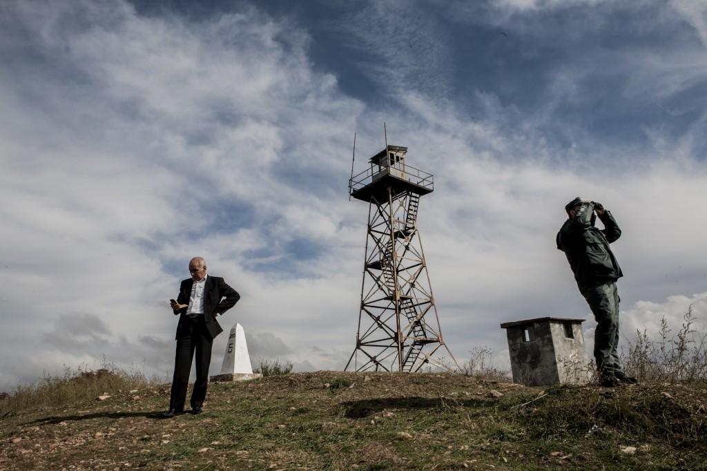 Stoyan Stoyanov, chef de la police des frontières pour le sud de la Bulgarie, sur une colline près de Lesovo à la frontière turco-bulgare. Octobre 2014 Alberto Campi