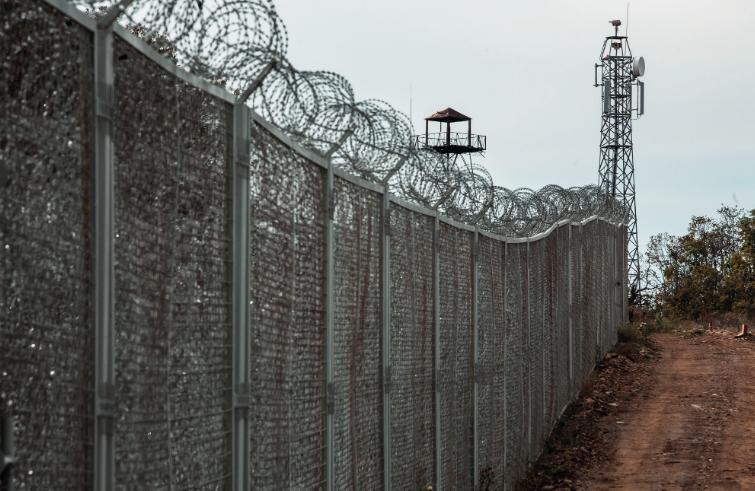 """« Le """"mur"""" à la frontière turco-bulgare près de Lesovo ». Photo : Alberto Campi/We report, 2014"""